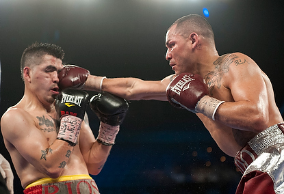 Alvarado upsets Rios in rematch